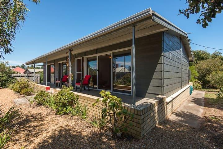 The Beach House at Port Elliot - Port Elliot