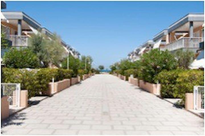 2 Appartamenti Blue Marine Village - Lido del Sole - Overig
