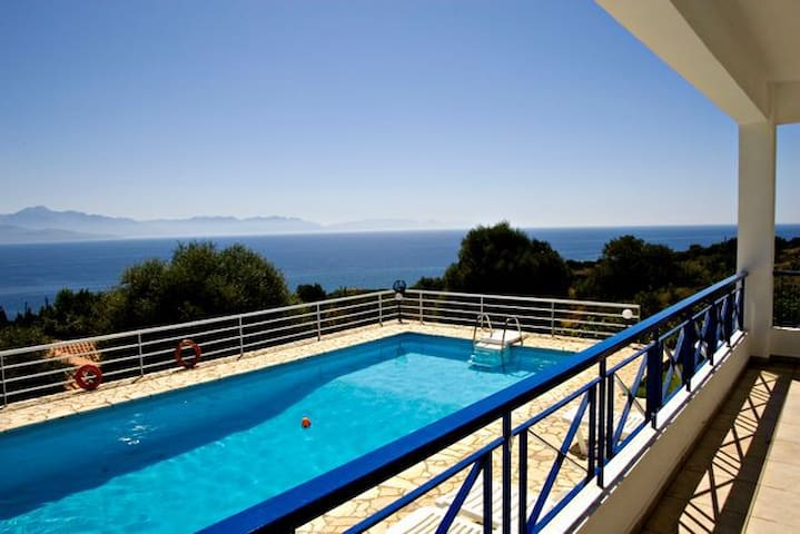 Villa Urania, Pool, Sea View WiFi - Petalidi - Villa