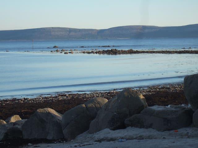 Seaside Chalet, Barna, Galway. - Barna