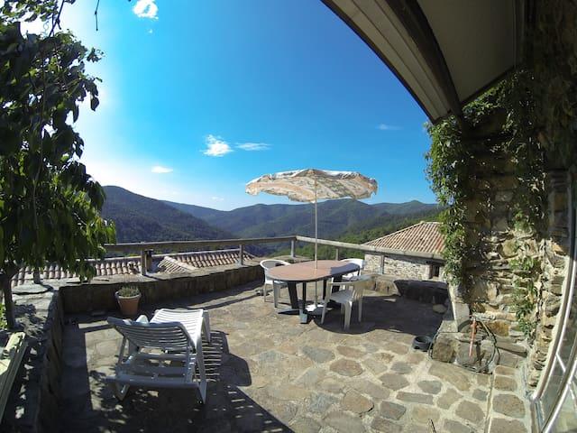 Vue panoramique incroyable !  - Saint-Mélany - Casa