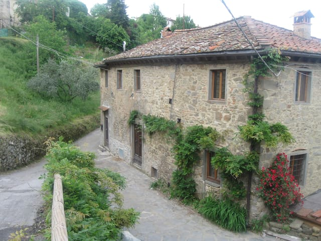 Beautiful Farmhouse in Mountains - Bagni di Lucca - Hus
