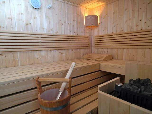 """Wellness- Apartment"" with sauna ! - Leipzig - Leilighet"