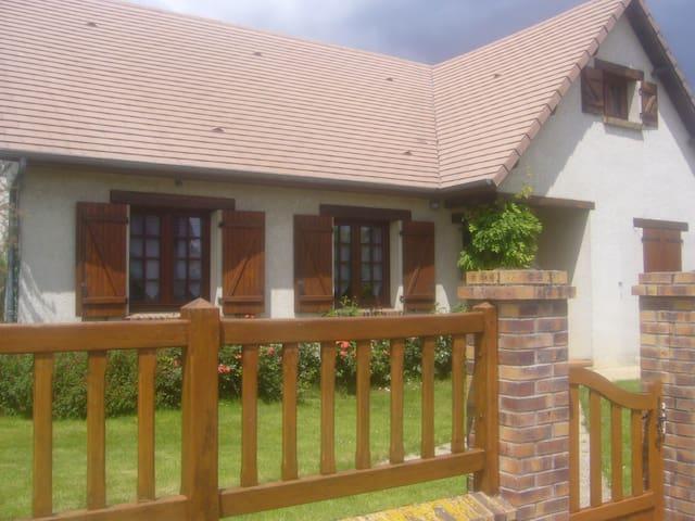 Maison de caractère - Angerville-la-Campagne - Casa