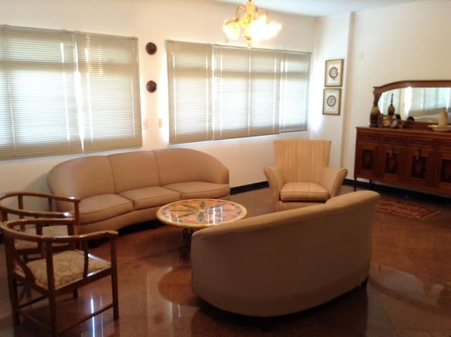 Private room with private bathroom - Cuiabá