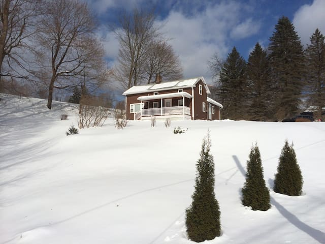 Beautiful Home in the #1 small town - Great Barrington - 獨棟