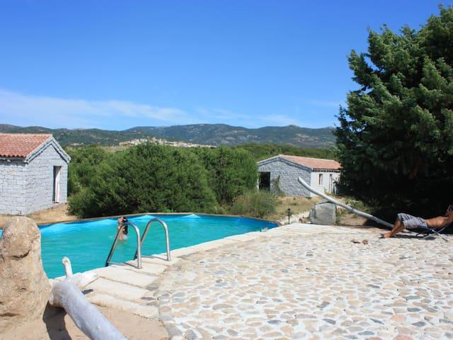 monolocale e piscina vicino al mare - Badesi
