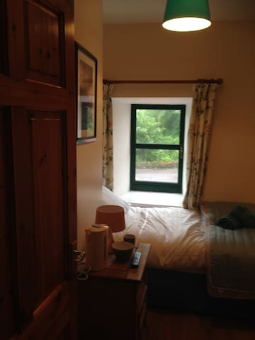 Small but cosy single room in Leap - Leap - Bed & Breakfast
