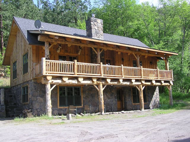 Unique Lodge on private White River - Tygh Valley - Cabane