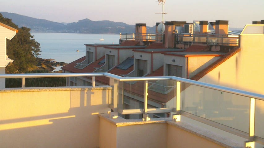 Atico muy luminoso junto a la playa - Sanxenxo - Appartement