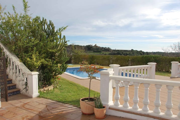 Brandnew flat with pool, 6km from the beach - Tarragona, el catllar - Departamento
