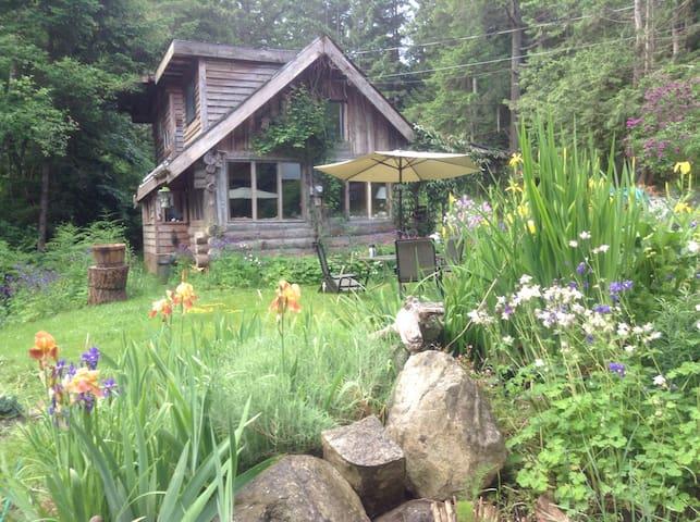 Garden Cottage - Hornby Island - Hus