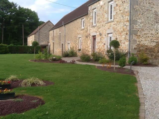 Maison de campagne proche foret - Le Cercueil - Huis