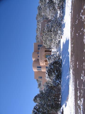 New Mexico Mountain Getaway - Tijeras - Hus