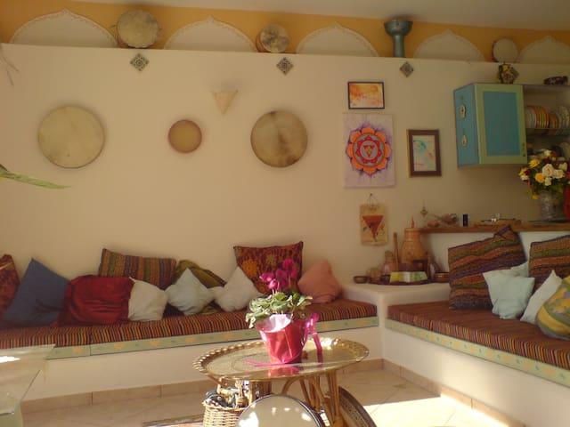 Kiryat Tivon by Haifa: Artist Home - Kiryat Tiv'on