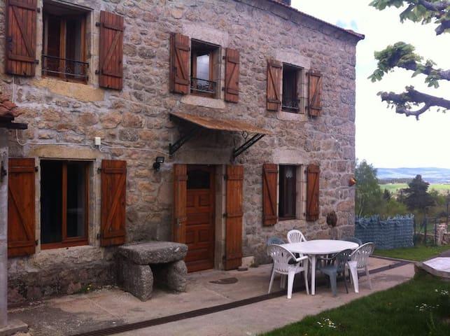 Maison typique lozérienne - Auroux - Talo