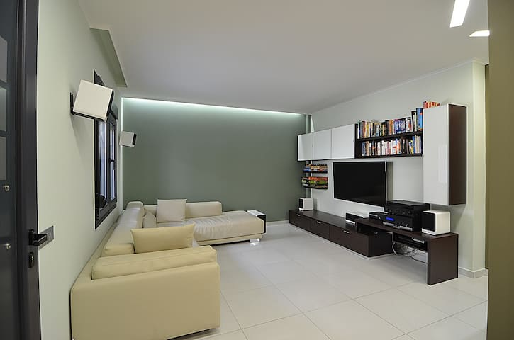 112 m2 central luxurious new house - Chios - Casa
