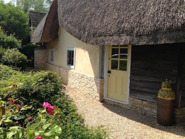 13th century self-catering cottage - Oxfordshire - Hus