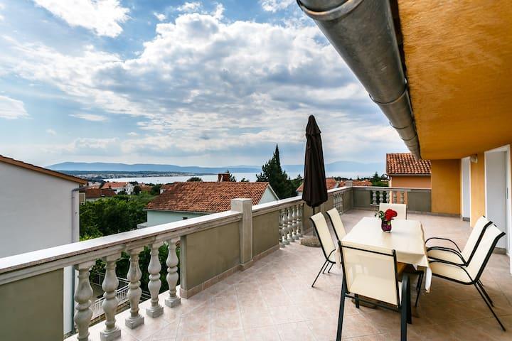 Modern 2bedroom app with sea view - Malinska