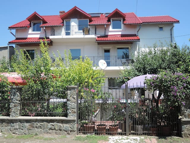 Private family owned house close to the beach - Costinești