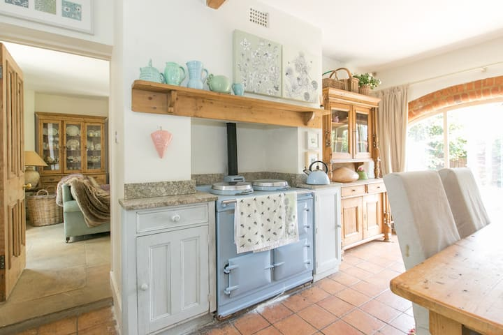 Charming period cosy cottage - Northamptonshire