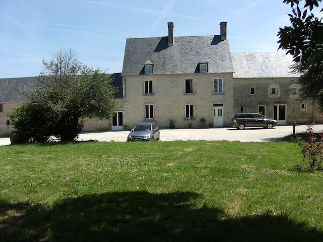 Cottage near Ste Mère Eglise - Turqueville