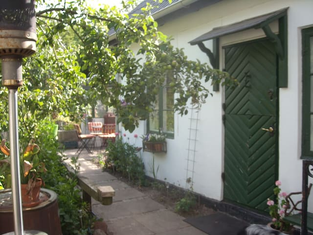 Beuatiful anneks in Hornbæk -  - Hornbaek - Annat