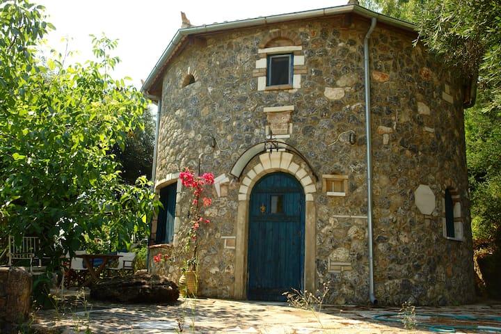 Musician's Round House and Castello - Kerkira - 別荘