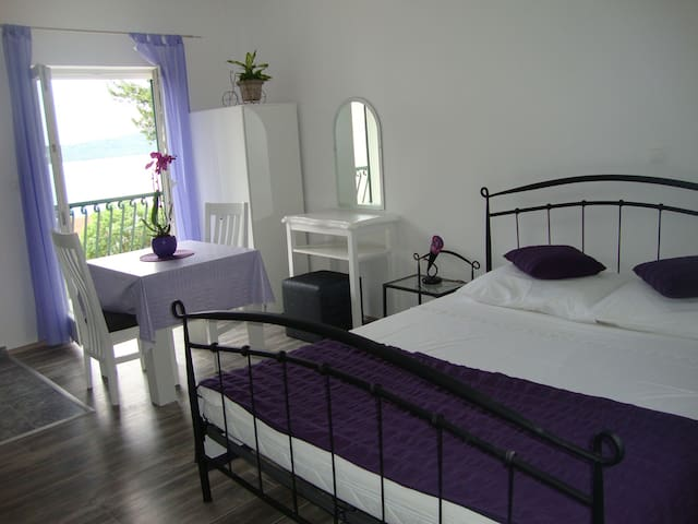 "Studio apartment ""Vice"" - Trogir"