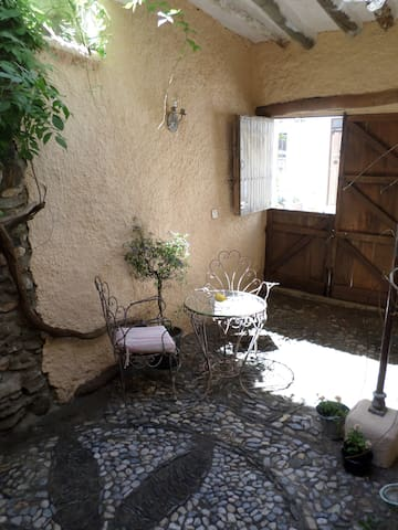 Peaceful Traditional Village House. - Chite - Haus