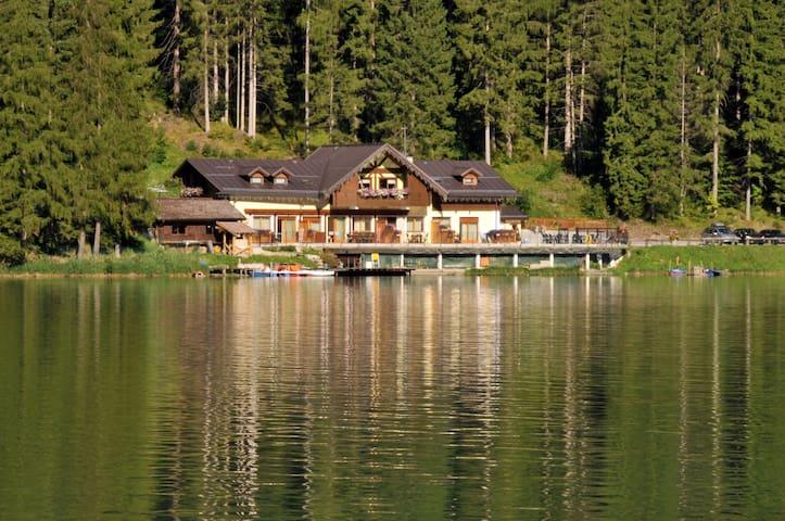 Chalet al lago Alleghe Tissi - Alleghe - Leilighet