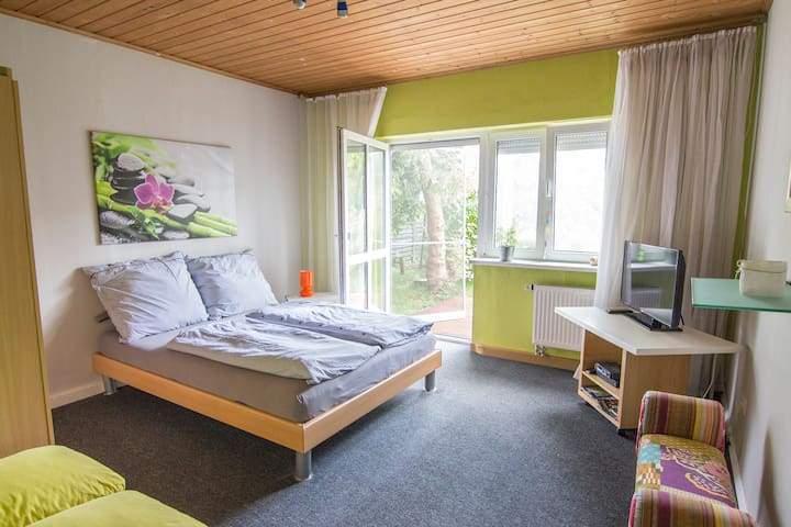 Nice and clean room near to France - Neuried - 牧人小屋