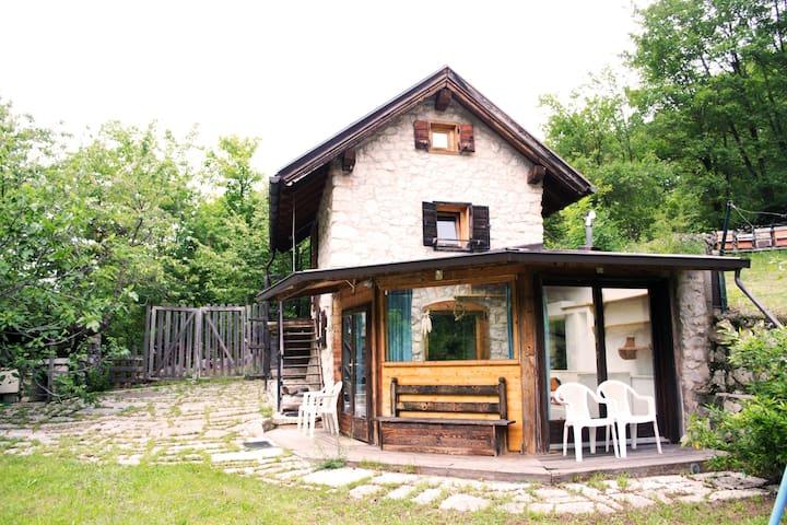 Intera casa  Mezzomonte di Folgaria - Trentino - Hus
