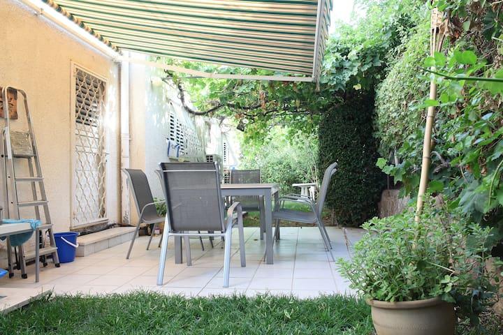Private floor-15 Mins from Tel-Aviv - Ramat Gan - Hus