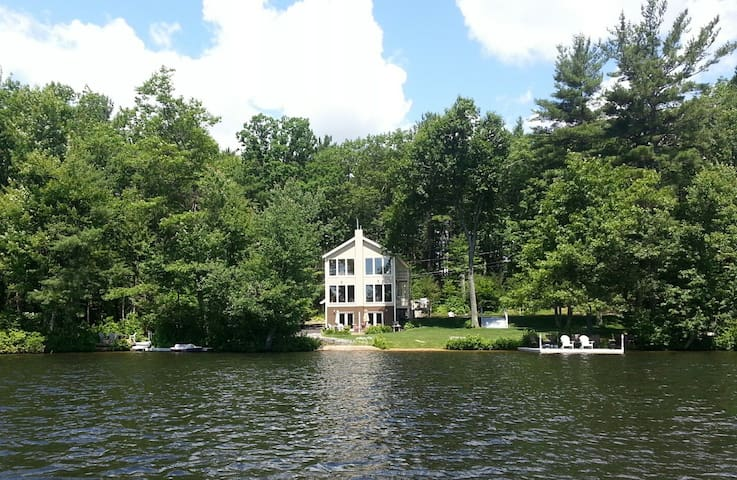 Big Private Lake House in the Woods - Westminster - Haus