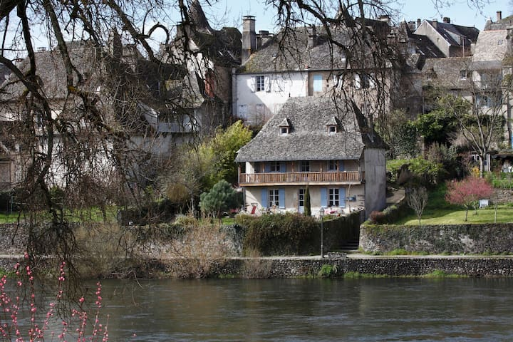 house whith view on the river  - Argentat - Huis