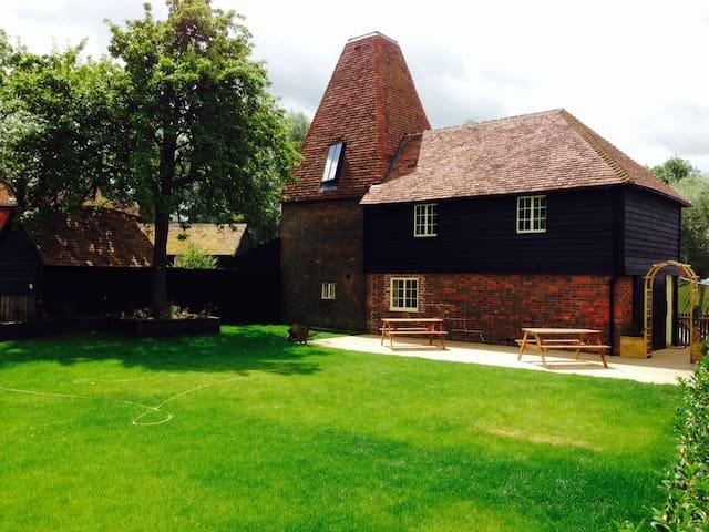 The Oast House, Darling Buds Farm - Bethersden - Hus