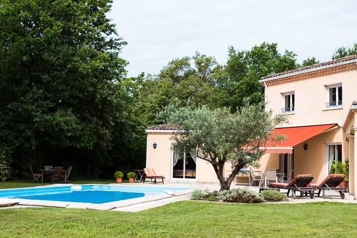 VILLA LES COTEAUX DE BORDEAUX - Camblanes-et-Meynac - Huis