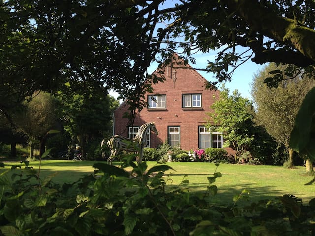 spacious  countryhouse 3 rooms - Grubbenvorst - Bed & Breakfast