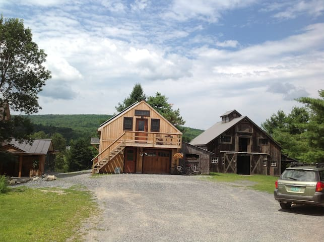 Cozy new studio with mountain view - Westford - Appartement