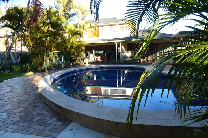 Manly Garden Home at Moreton Bay - Manly West - Haus