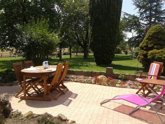 Maison de vacances en Bourgogne! - St Martin d'Ordon - Hus