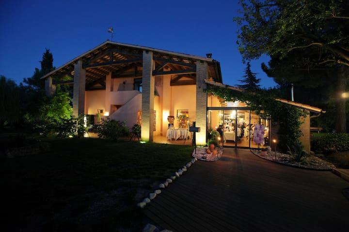 Appartment Leonardo  Swimmin poll - Faenza - Apartmen