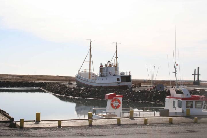 House Dyngja - By the harbor - Höfn