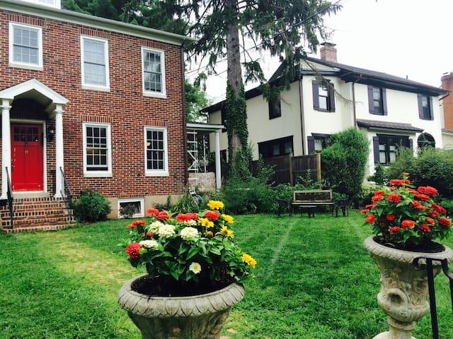 Charming Brick House In Princeton - Princeton - Casa