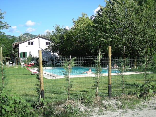 Appartamento in casale nel verde - Garbagna - Hus
