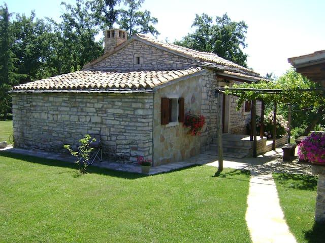 Stone built holiday house - Bazgalji