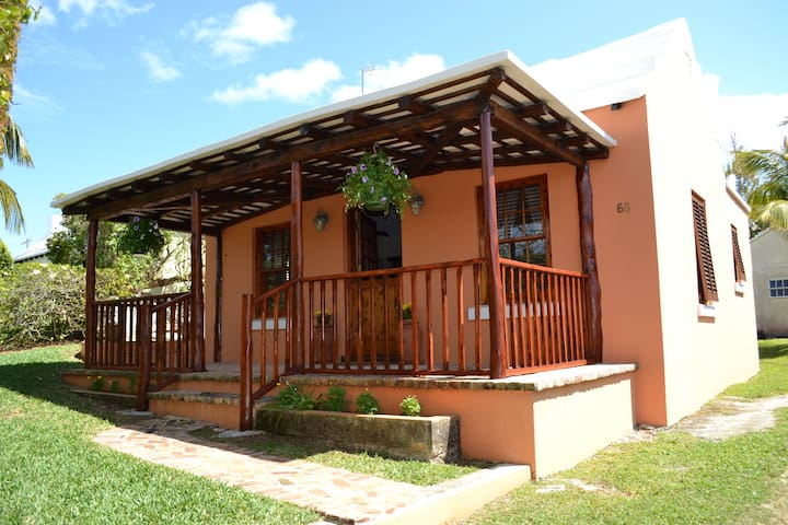 Your Own Beautiful Bermuda Cottage - Flatt's Village - Talo