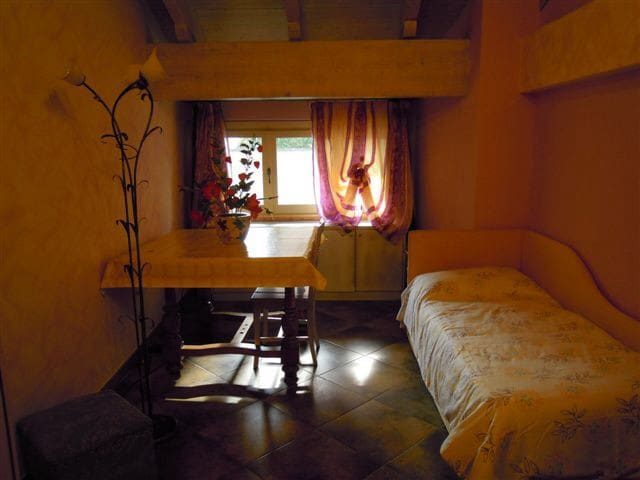 Villa Mery camera Mimosa - Casale Monferrato - Bed & Breakfast