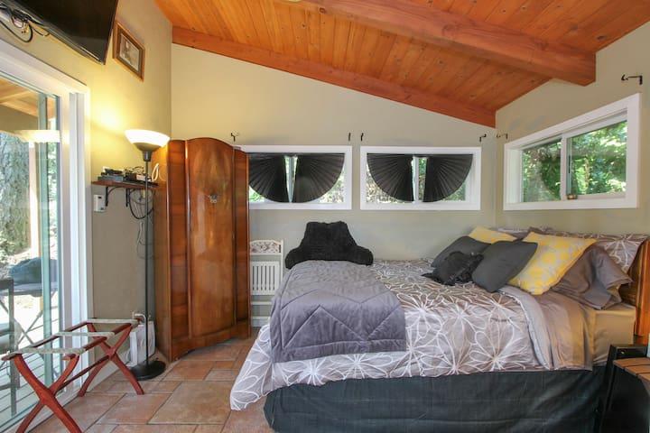 Sunrise Mountain Studio Guest House - Cazadero - Kulübe